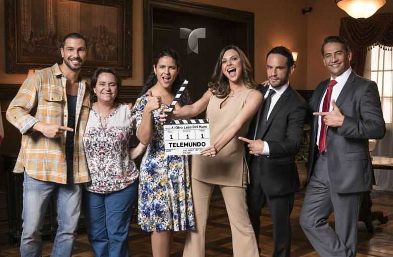 'Al otro lado del muro', la telenovela realista que habla de la emigración mexicana hacia Estados Unidos